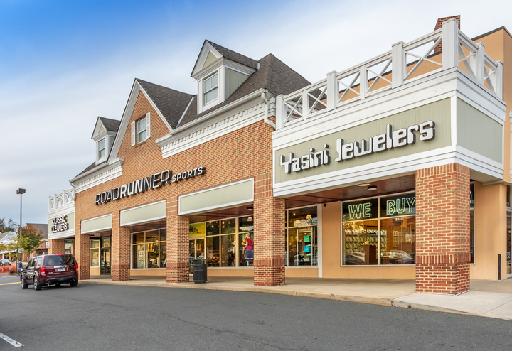 Falls Plaza | Federal Realty Investment Trust